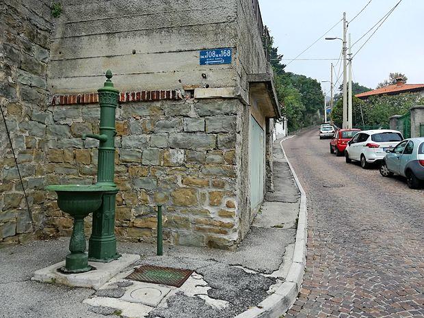 Vzdolž ulice  Scala Santa je nekoč delovalo šest fontan, da so se popotniki lahko osvežili in odžejali.    lea kalc furlanič