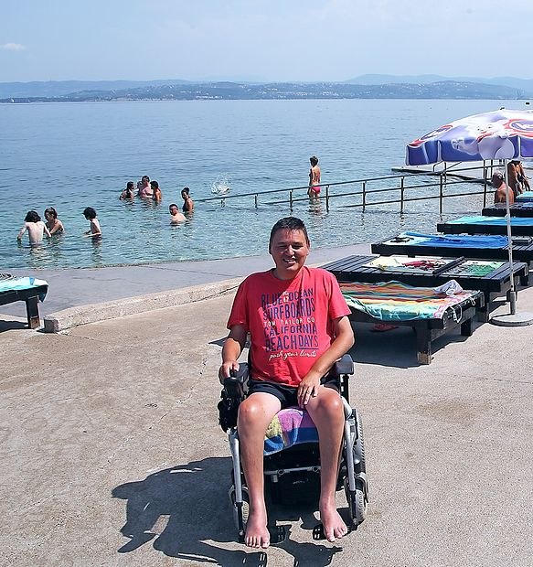 Boštjan Križaj  rad zaplava  v morju v Izoli.  zdravko primožič/fpa