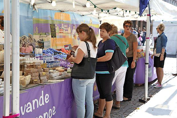 Tudi letos festival spremlja pestra dodatna ponudba.
