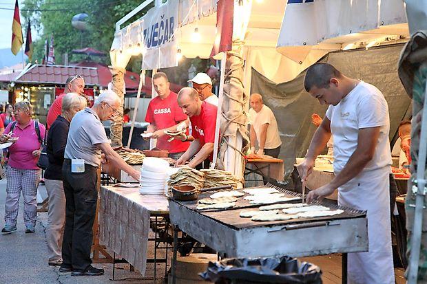 Balkanska kuhinja je vsako leto pravi magnet za obiskovalce.