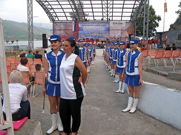 Mažoretke iz Sevnice so poskrbele za večjo atrakcijo, kot če bi  se na Donjem Saraju prikazala njihova bivša sokrajanka, prva  dama Amerike Melanija Trump.