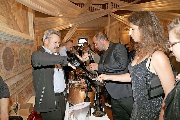 Na kmetiji Jamškovih v Mančah  je vinogradništvo in vinarstvo  prisotno že več generacij. V ponos jim je lesen sod iz leta  1887, v katerem še danes zori vinska kapljica in je dal ime  blagovni znamki hiše.