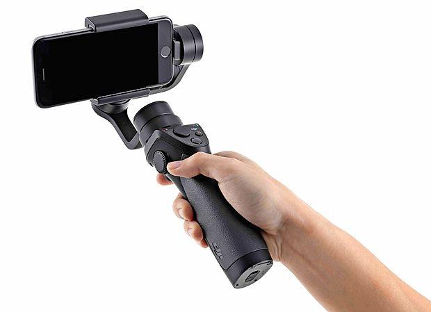 Osmo mobile, eden najbolj uporabnih dodatkov  za tiste, ki  želijo popolnoma izkoristi snemalne možnosti telefona.