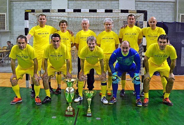 Ekipa Jolly bar  je prvak veteranske lige Šempeter.
