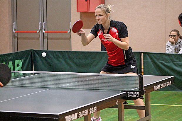 Jana Ludvik se je v prvem finalu izkazala z gladkima posamičnima zmagama.