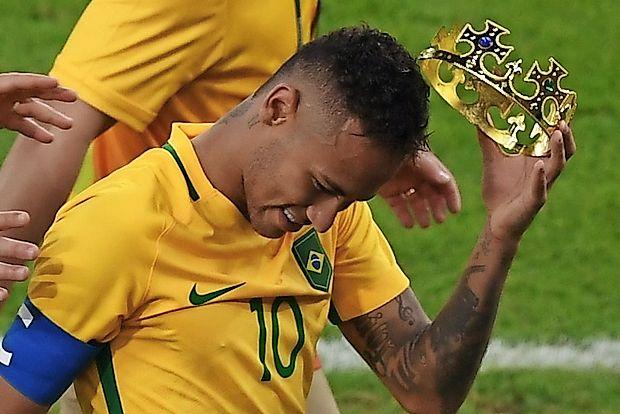 Neymar si je po finalni zmagi Brazilije proti Nemčiji na  nogometnem turnirju lahko nadel olimpijsko krono.