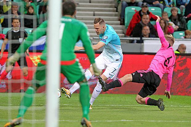 Josip Iličić v svetlejšem dresu je v preteklih kvalifikacijah  prispeval tri gole in pet asistenc.
