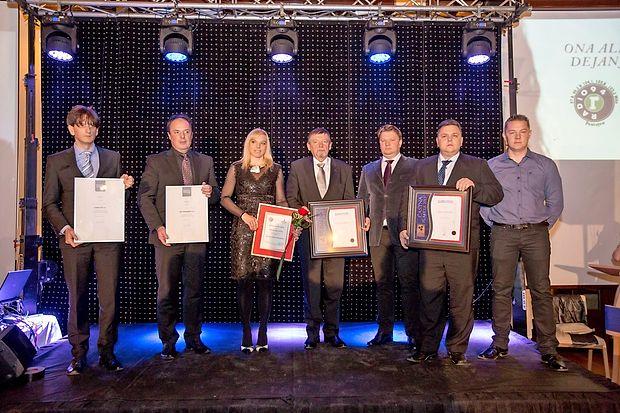 Nagrajenci Radia 94 za leto 2016: Andreja Sterle Podobnik ter predstavniki podjetij Plama-pur iz Podgrada,  Oro met iz Neverk,  Menard RA iz Logatca ter Marinčič iz Zagorja.