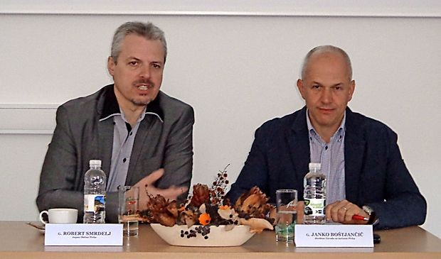 Pivški župan Robert Smrdelj (levo) in direktor PVZ Janko  Boštjančič.