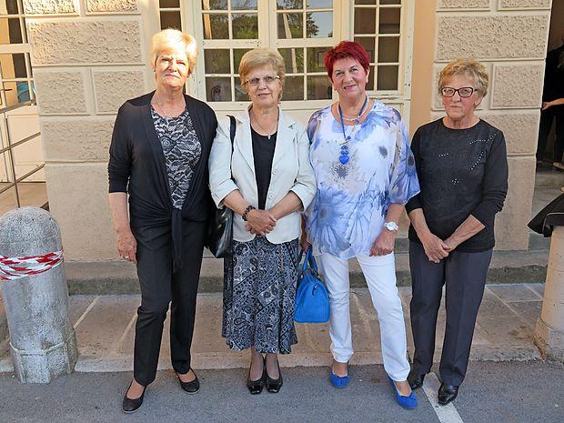 Prvi kolektiv komenskega vrtca, ki je zaznamoval številne  generacije s Komenskega (od leve proti desni): Adrijana  Švara, Silvana Terčon, Marica Kukanja in Neva Petelin.