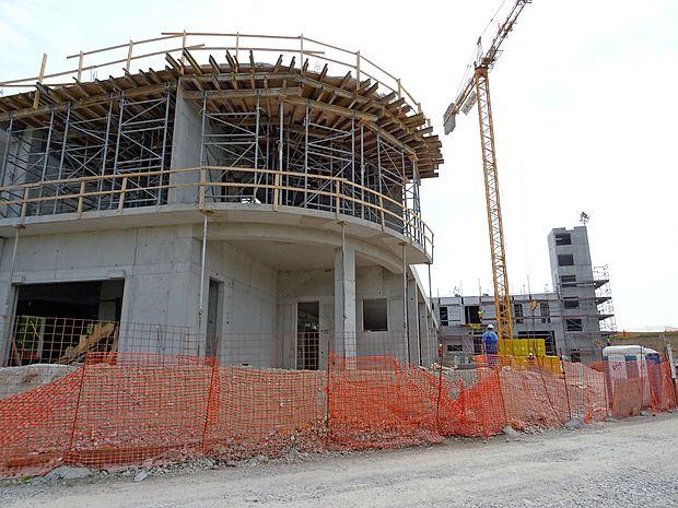 Ogrodje gasilsko-reševalnega centra je že postavljeno, dokončali ga bodo sredi prihodnjega  leta.