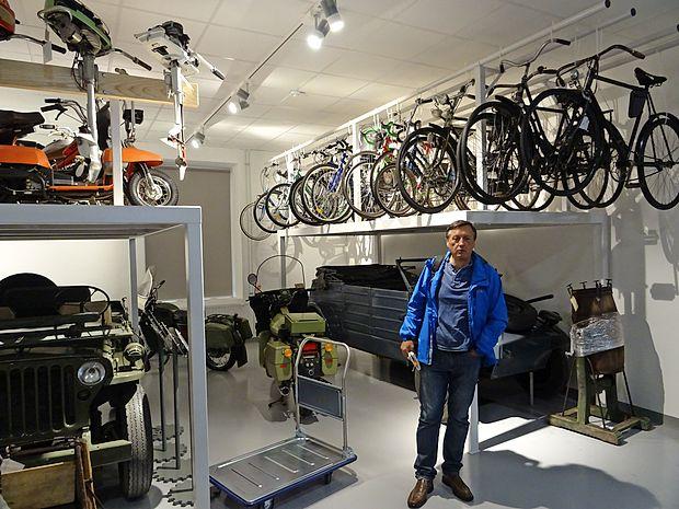 V depojih si bo mogoče ogledati nekatera zanimiva kolesa Rog in zbirko Tomosovih motorjev,  je povedal Boris Brovinsky, kustos v Tehniškem muzeju.