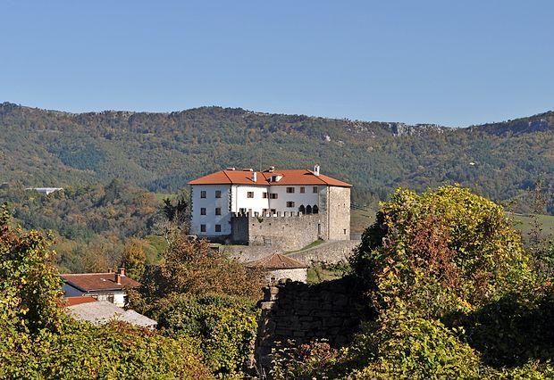 Če bodo Občina Ilirska Bistrica,  Pokrajinski muzej Koper,  Občina Kastav in puljski arhiv uspešni pri mednarodnem  projektu Terra gothica, bo bistriška občina na gradu Prem  lahko uredila gostišče in kuhinjo, muzej pa novo zbirko.