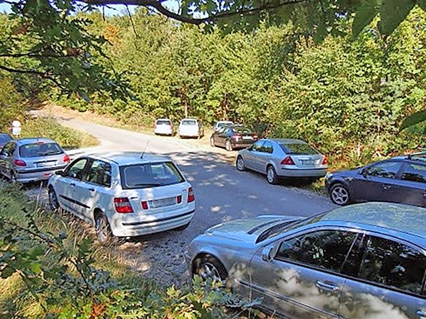Takšna gneča je bila ob cesti v okolici Artviž pretekli konec  tedna.