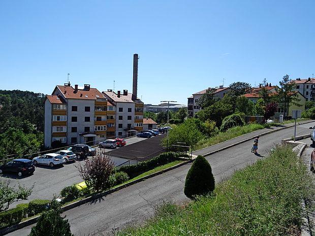 Občina Hrpelje-Kozina ima 17 neprofitnih stanovanj, tudi v  Hrpeljah. Kupila bo še enega na Kozini.