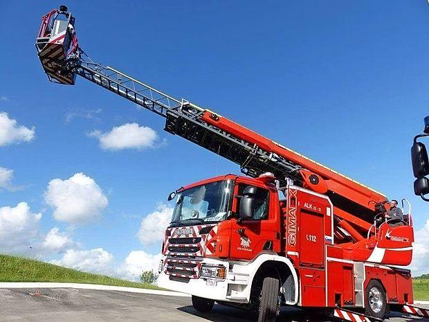 To je avtolestev, ki jo bodo danes prevzeli postojnski gasilci.