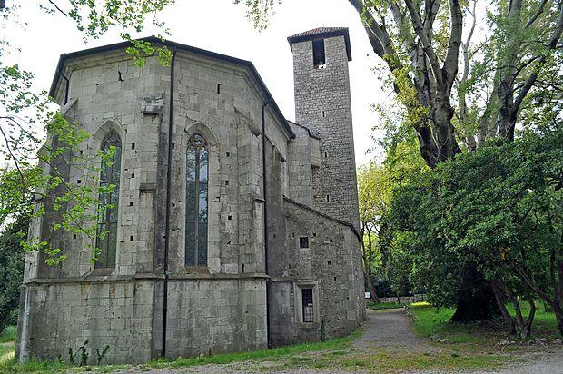 Ob izviru Timave stoji mogočna gotska cerkev svetega Janeza Krstnika.