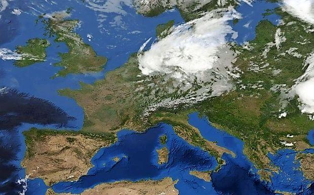Nad večjim delom Evrope se zadržuje subtropski anticiklon.