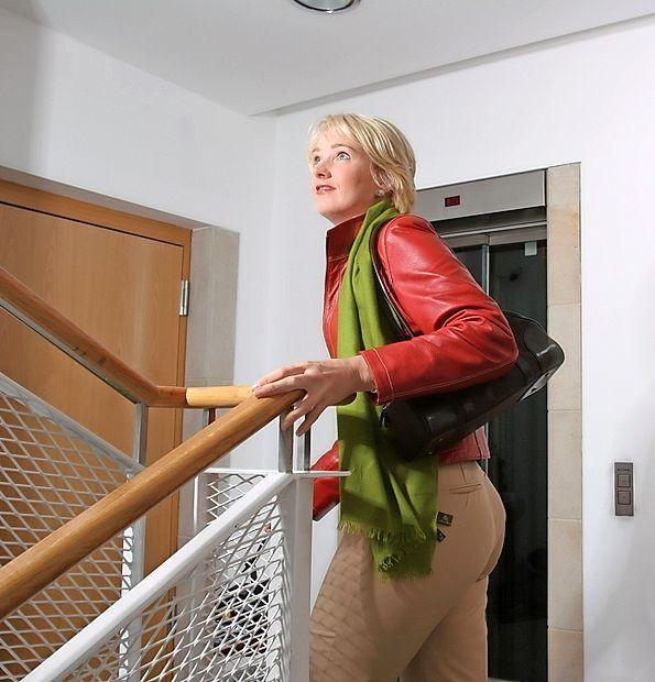Veliko lahko storimo že sami, da ohranimo zdravo ožilje. V ta  sklop sodi tudi veliko gibanja, med drugim vsakdanja hoja po  stopnicah, čeprav je dvigalo udobnejše.
