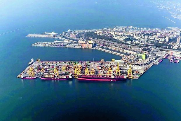 Tržaško pristanišče kot konica svilne poti v Jadranu
