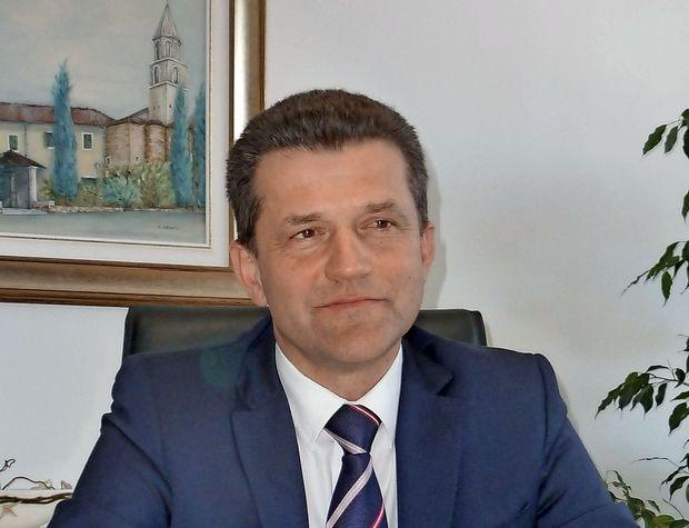 Prihajata Rajko Rešek in Dušan Mandič