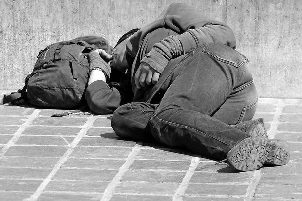 Tržačani v sporu s podžupanom pomagali brezdomcu