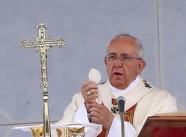 Papež na cvetno nedeljo za ponižnost Cerkve