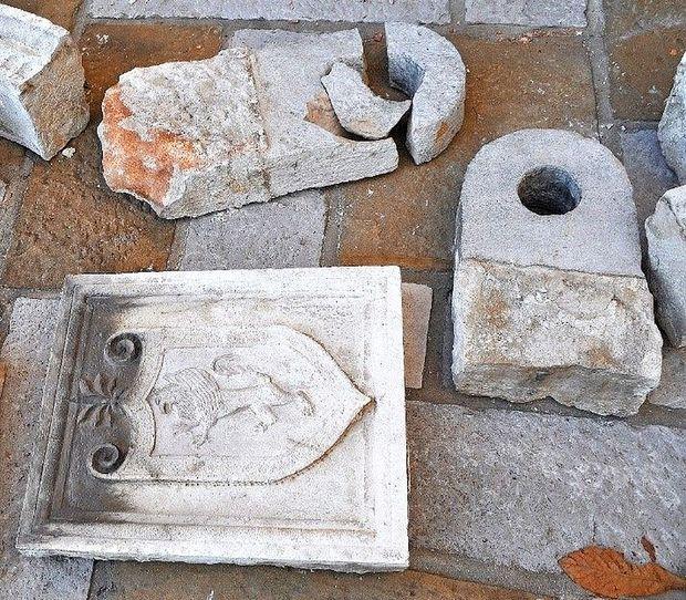 Predmeti s porušene palače Longo v oskrbi muzeja