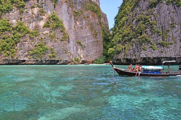 Na Tajskem bo sloviti zaliv Maya zaprt še najmanj dve leti