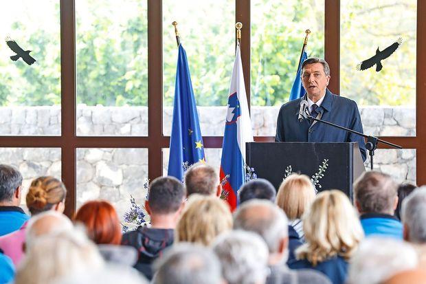 Pahor v Škocjanskih jamah opozoril na dovzetnost podzemlja za naša ravnanja nad njim
