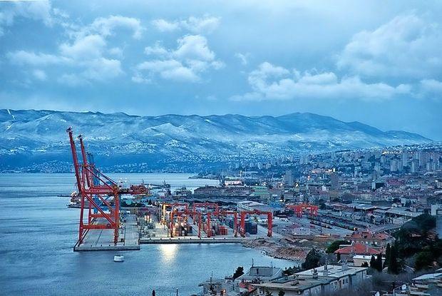 V pristanišču na Reki zgradili nov kontejnerski terminal