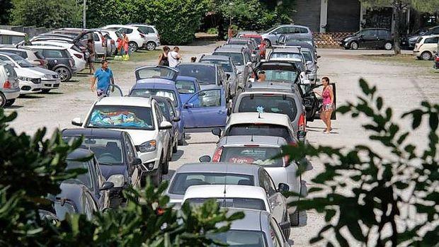 Uredili bodo parkirišče za plažo v Marini Juliji