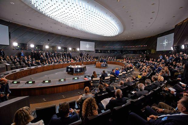 Nato Makedonijo povabil k pristopnim pogovorom o članstvu