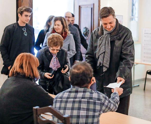 Pahor danes bolj miren, Šarec samozavesten