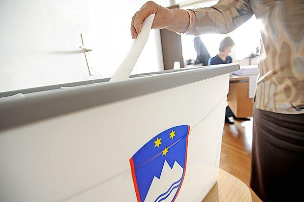 Za predsednika republike prvi dan predčasno glasovalo 7750 volilcev