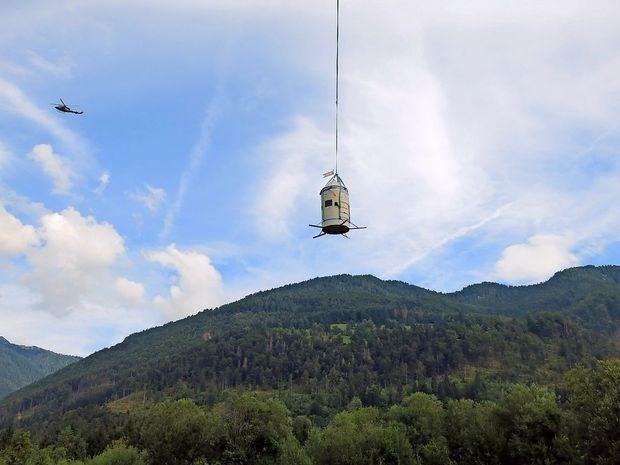 Aljažev stolp po 123 letih prvič zapustil Triglav