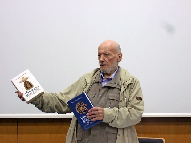 Umrl etnolog Zmago Šmitek