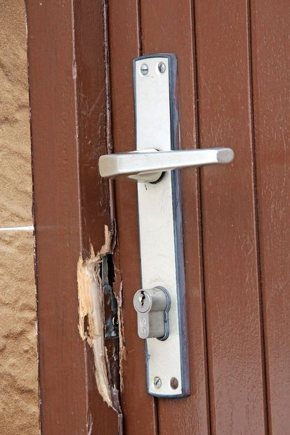 Blizu Pulja vlomili v počitniško hišo slovenske državljanke