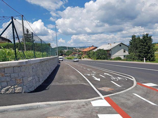 Snežniška cesta v Pivki tudi uradno predana namenu