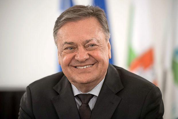 V Ljubljani kaže na zmago Jankovića v prvem krogu