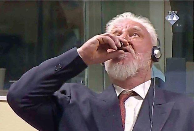 V Haagu končali izrek sodbe, Praljak popil strup in umrl v bolnišnici