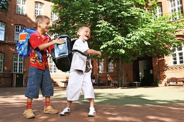Hrvaška vlada z zakonom za lažje šolske torbe in cenejše učbenike