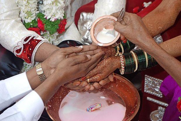 Unicef: V poroko vsako leto prisiljenih 12 milijonov deklic