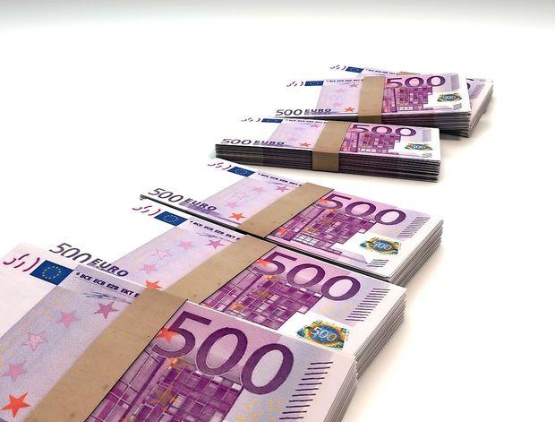 Italijanska policija pri rutinskem pregledu odkrila milijon evrov gotovine