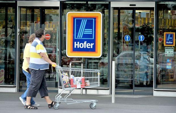Hofer do konca leta brez plastičnega pribora in kozarcev za enkratno uporabo