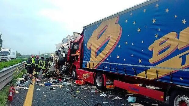 Smrtna prometna nesreča na avtocesti pri Palmanovi