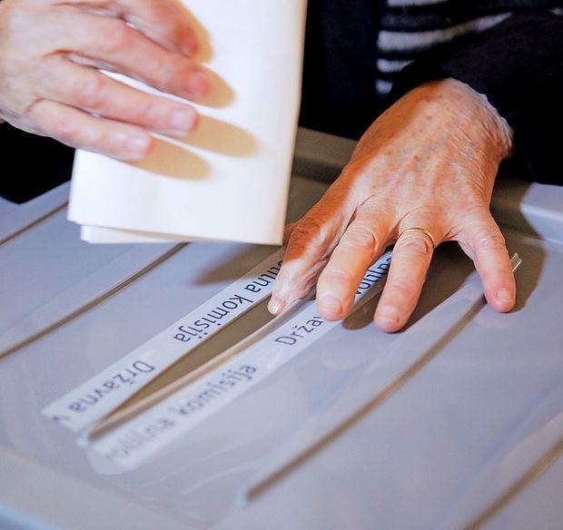 Pred evropskimi volitvami še danes mogoče zahtevati glasovanje po pošti iz Slovenije