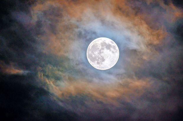 Teden polne lune bo naporen