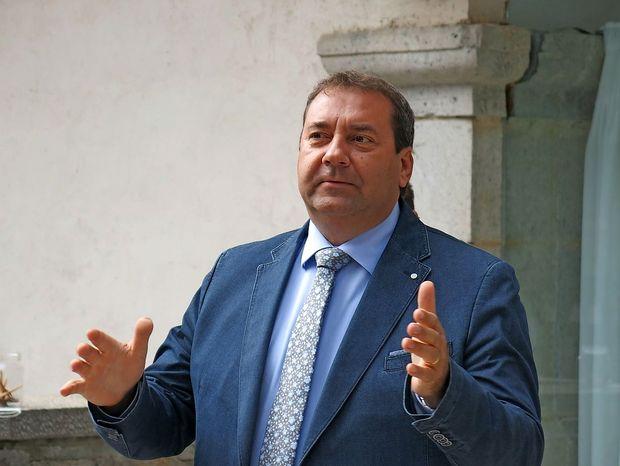 Šarec pozval Bandellija k odstopu, sicer bo DZ predlagal njegovo razrešitev