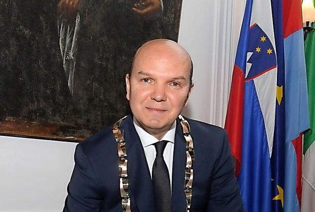 Bo Zadković podprl referendume?